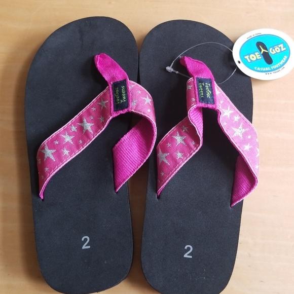 072a903acace Hot Pink Star ToeGoz Flip Flops for Girls